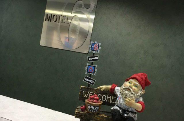 Motel 6 Gnome w-Name-Crabapplesson